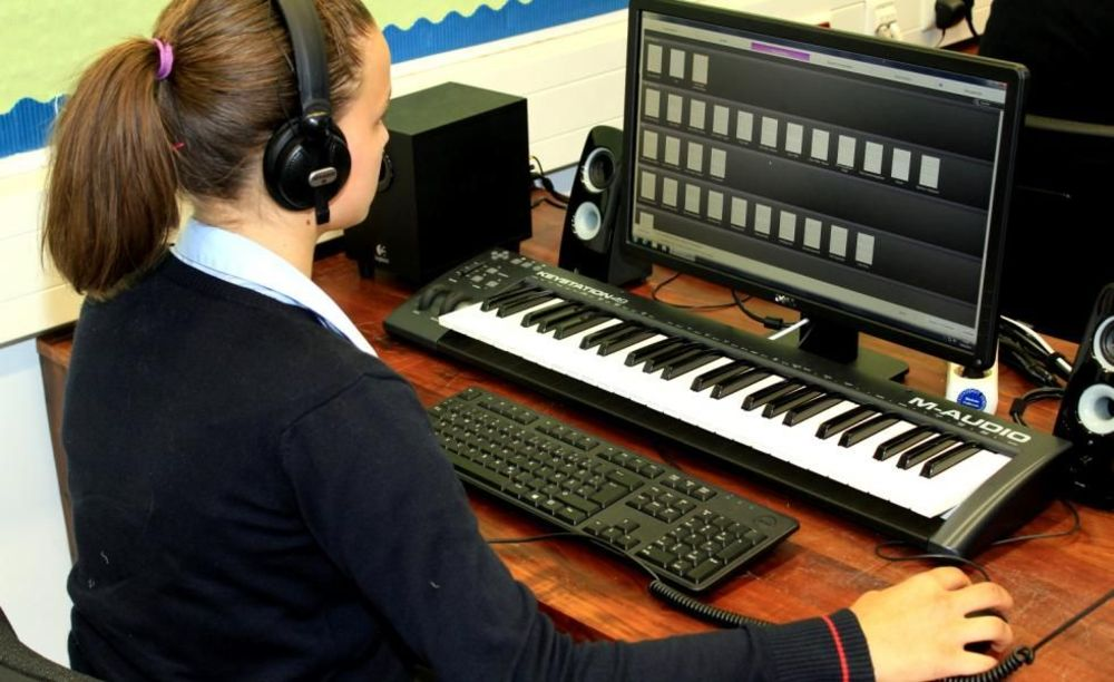 занятия музыкой в школе St. George's School Cologne
