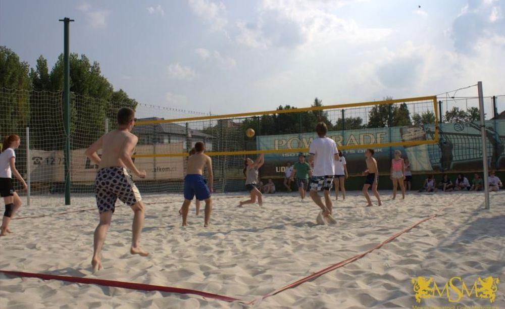 пляжный волейбол в лагере MSM Academy