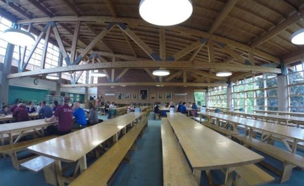 Обеденный зал Dean Close School