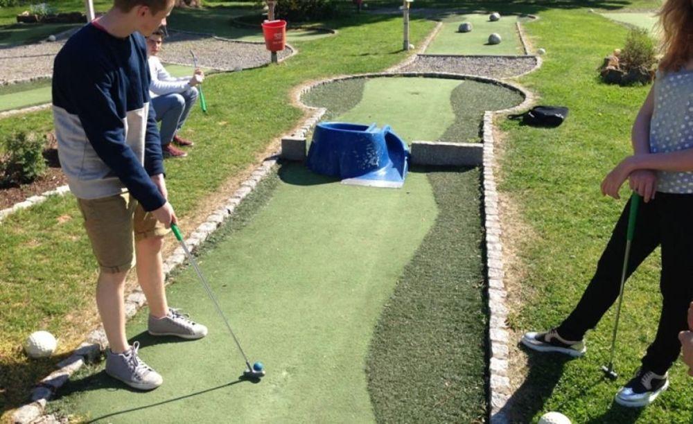 OISE Heidelberg игра в мини гольф