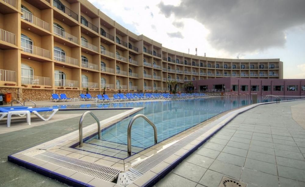територія готелю Clubclass Mellieha, Paradise Bay Hotel