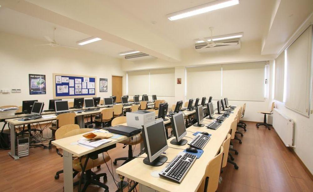 компьютерный класс в школе Pascal English School Lefkosia