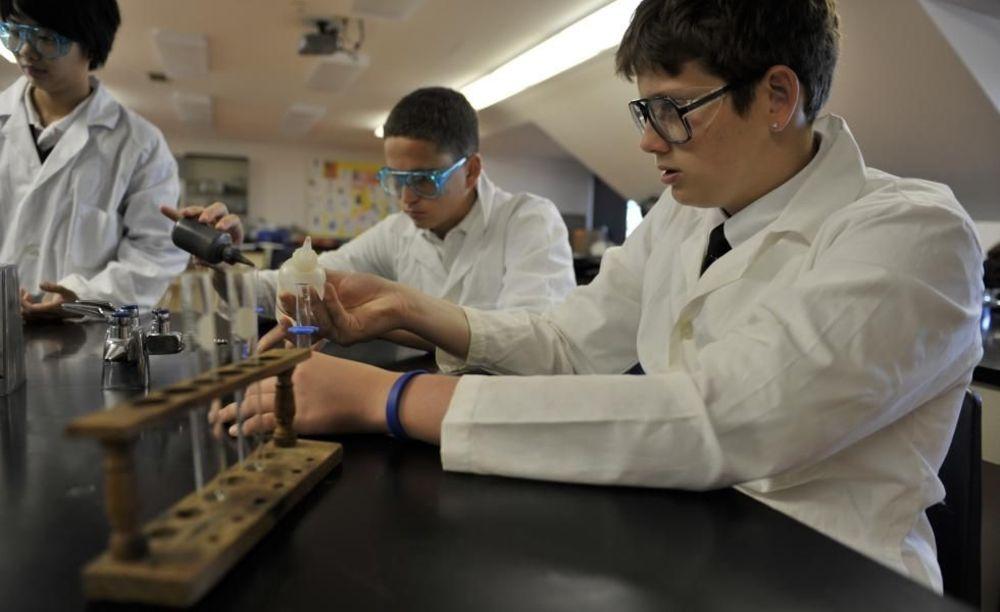 научная лаборатория в Pickering College