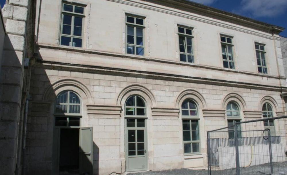 Saint-Denis International School Summer Camps резиденция для мальчиков