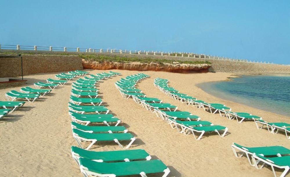 приватний пляж Clubclass Mellieha, Paradise Bay Hotel