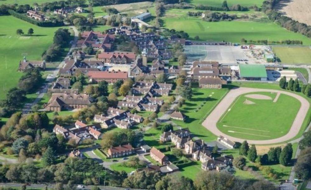 Школа The Duke of York's Royal Military School