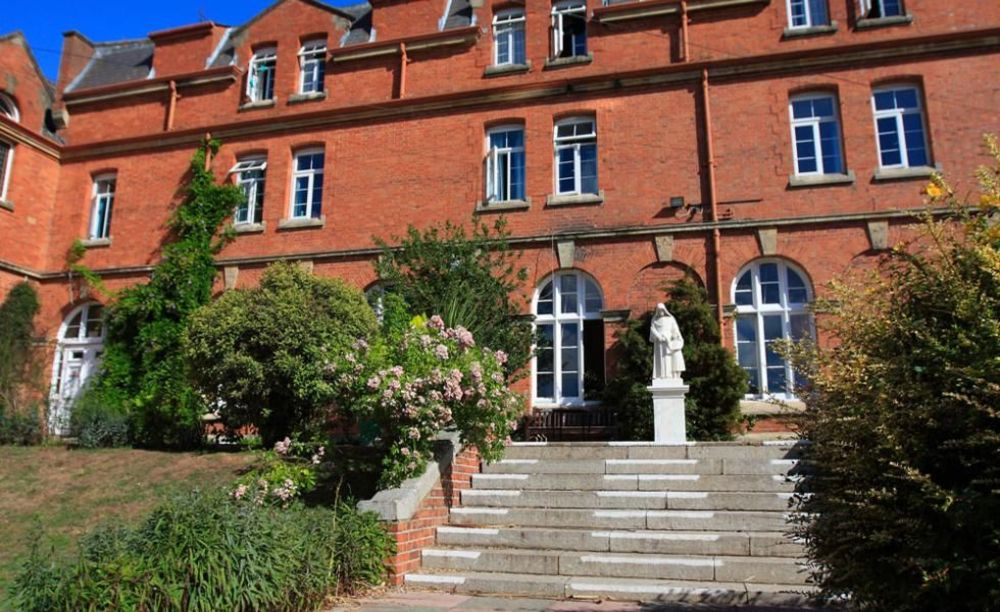 Школа Trinity School Teignmouth