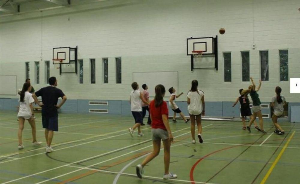 Спортивный зал Stowe School. Аспект - Обучение за рубежом.