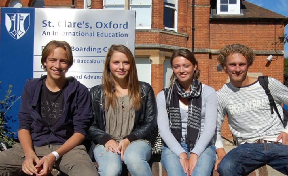 St. Clare's, Oxford дети