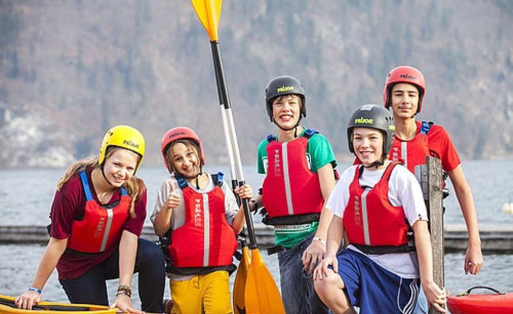 занятия водными видами спорта в лагере St. Gilgen International