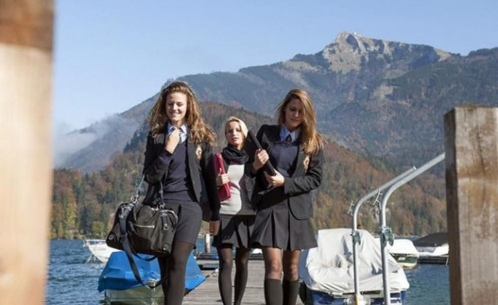 студентки школы St. Gilgen International