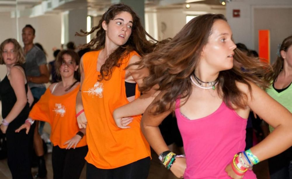 занятия танцами в лагере Rennert Marymount Manhattan College