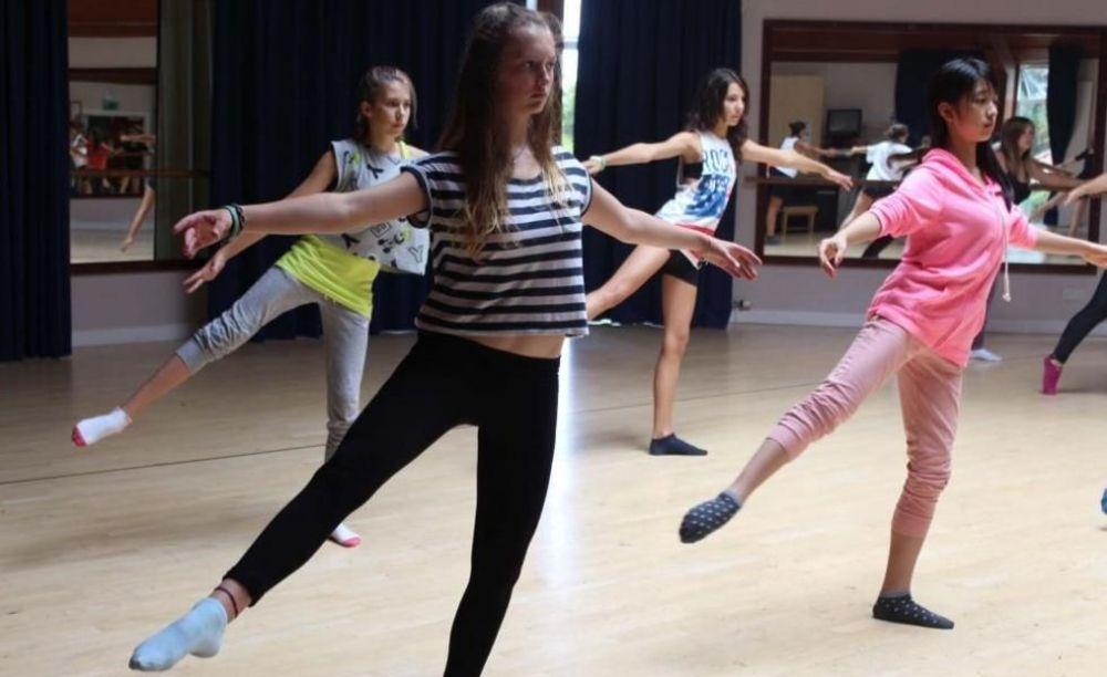 Танцы Millfield Street Summer & Easter