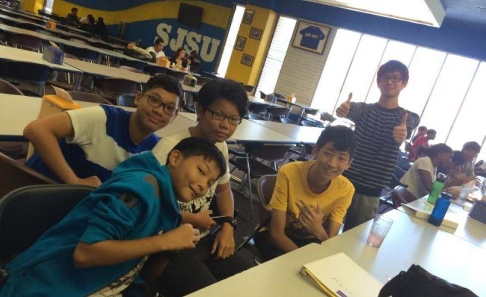 студенты на занятиях в лагере Tamwood в Сан-Франциско