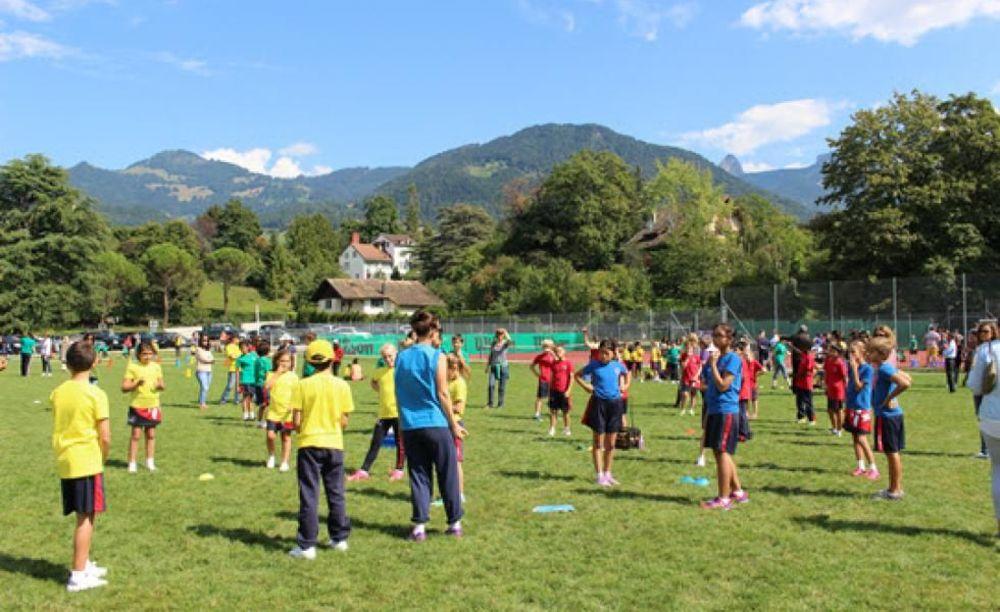 территория школы St George's School Summer Camp