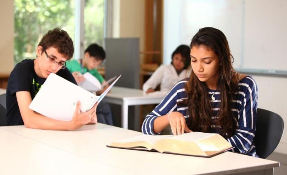 занятия в школе St Giles Toronto на базе St Andrew's College