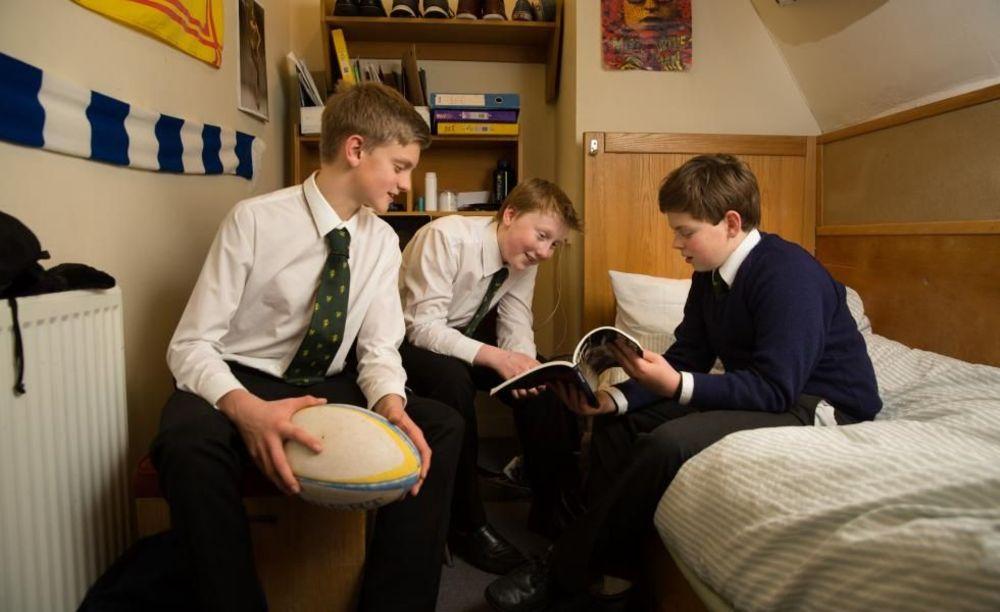 учащиеся в резиденции Glenalmond College
