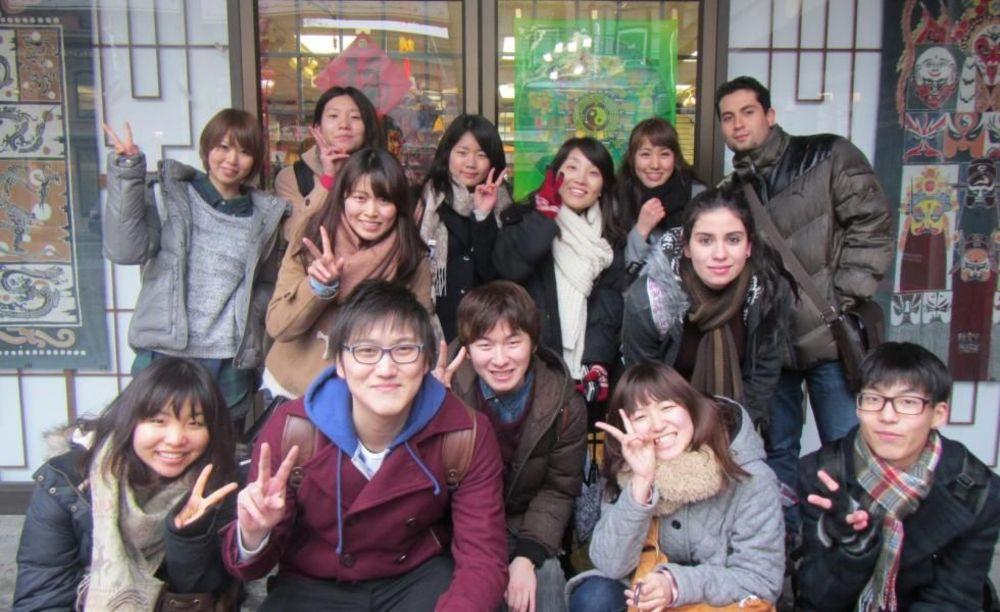 участники зимнего лагеря Global Village Vancouver