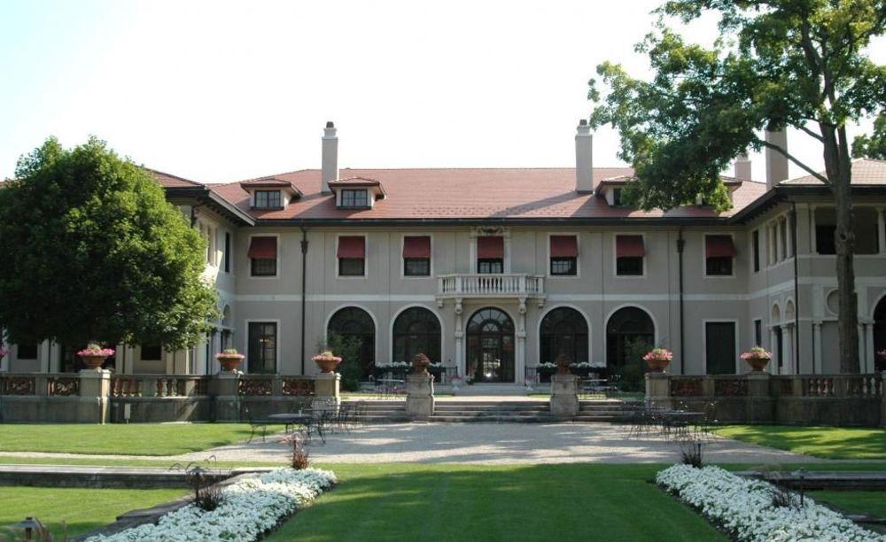учебный корпус Lake Forest Academy