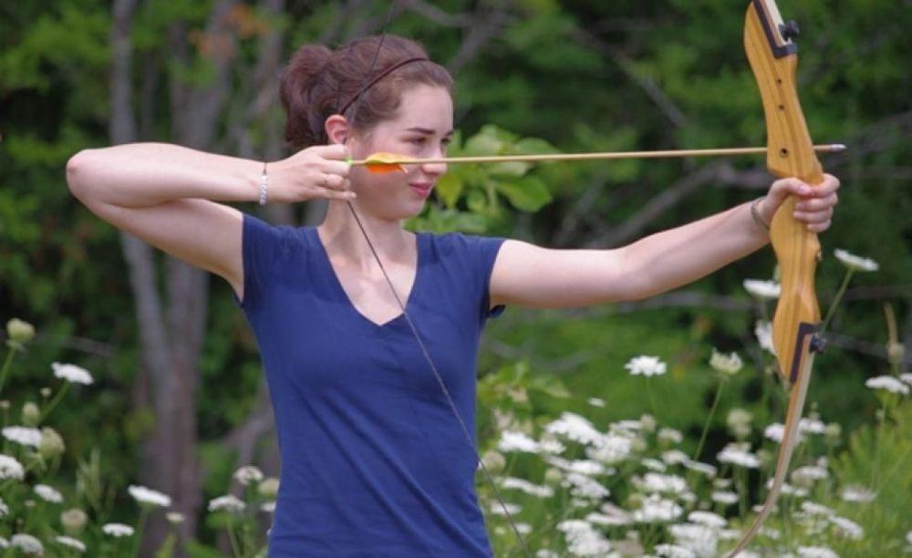 уроки стрельбы из лука в лагере CISS Lakefield College School