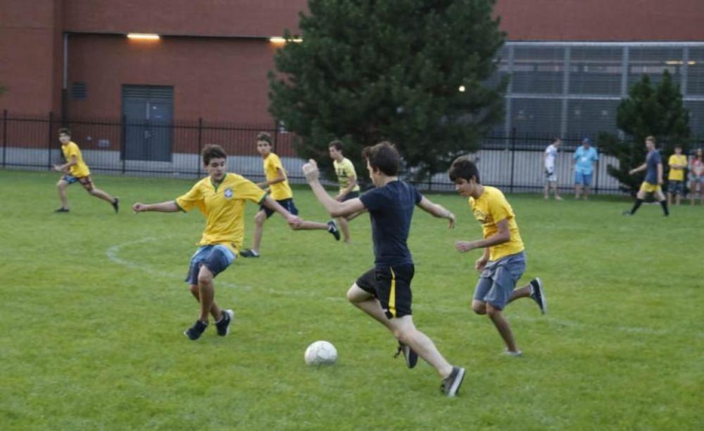 спортивные мероприятия в лагере CISS University of Toronto Trinity College
