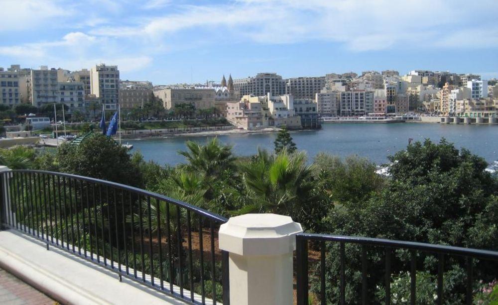 прогулка по городу Cavendish School of English Malta