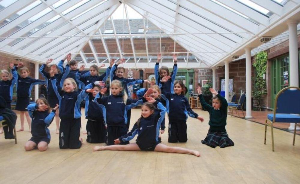 занятия спортом в Kilgraston School