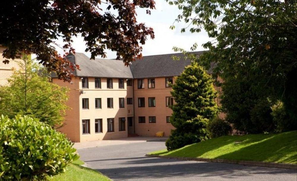 здание школы Strathallan School