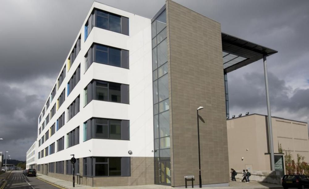 Будівля Bellerbys Brighton