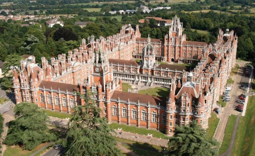 Здание Royal Holloway University