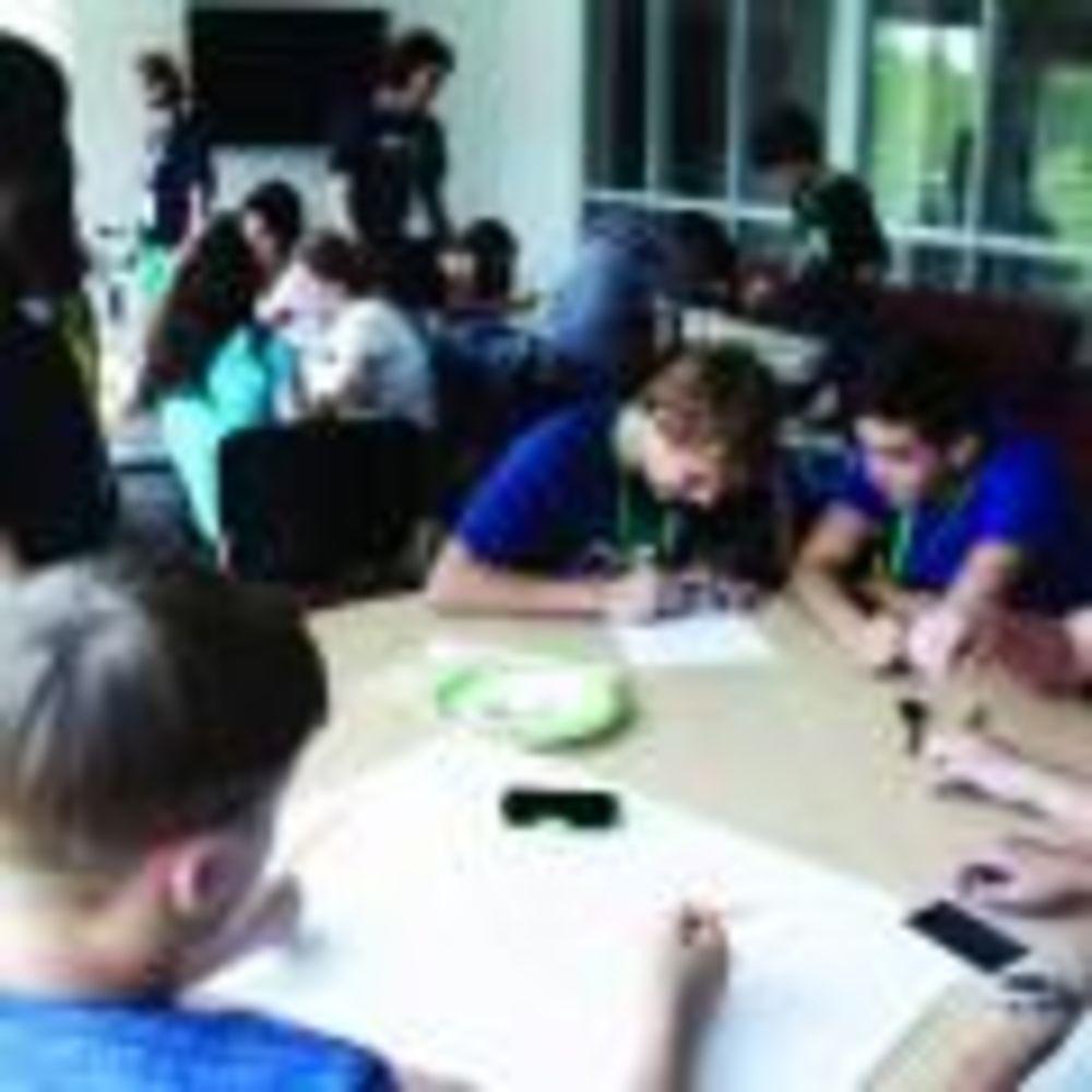 дети на занятиях в лагере Tamwood University of Toronto