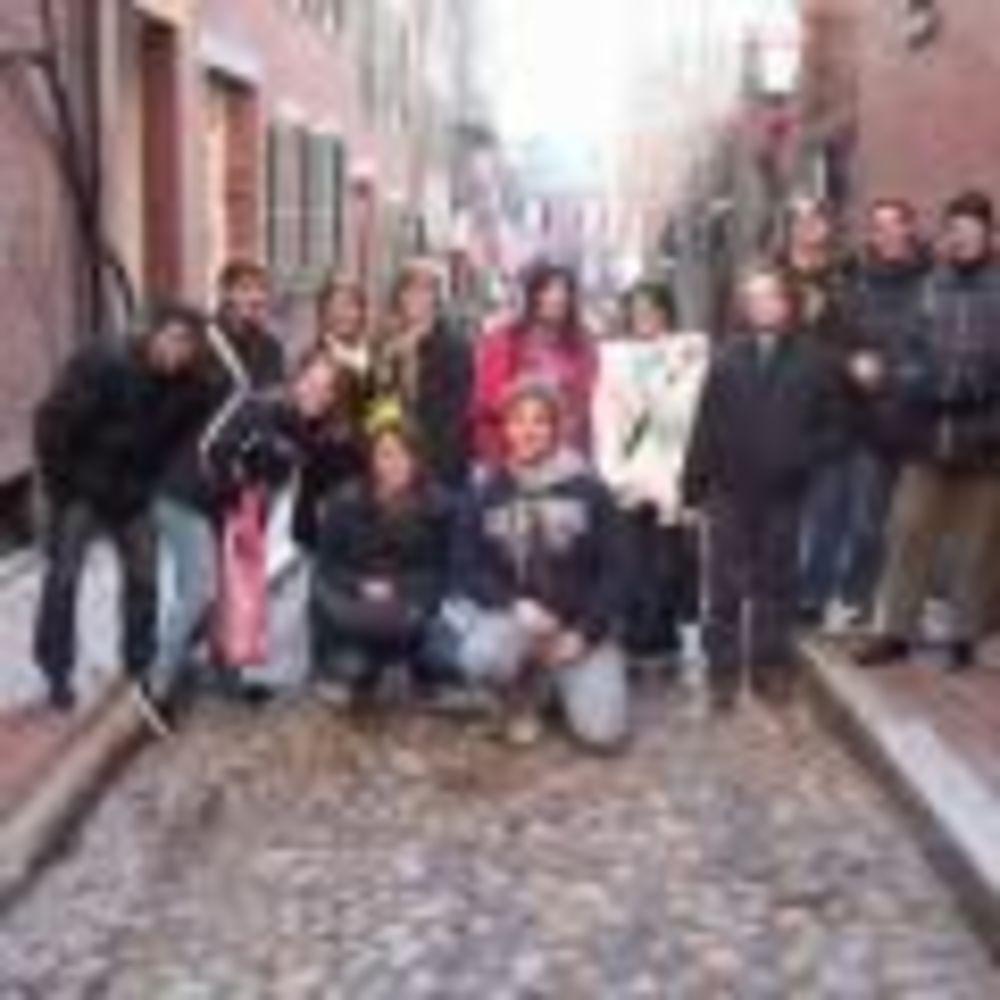участники лагере FLS Boston в Fisher College