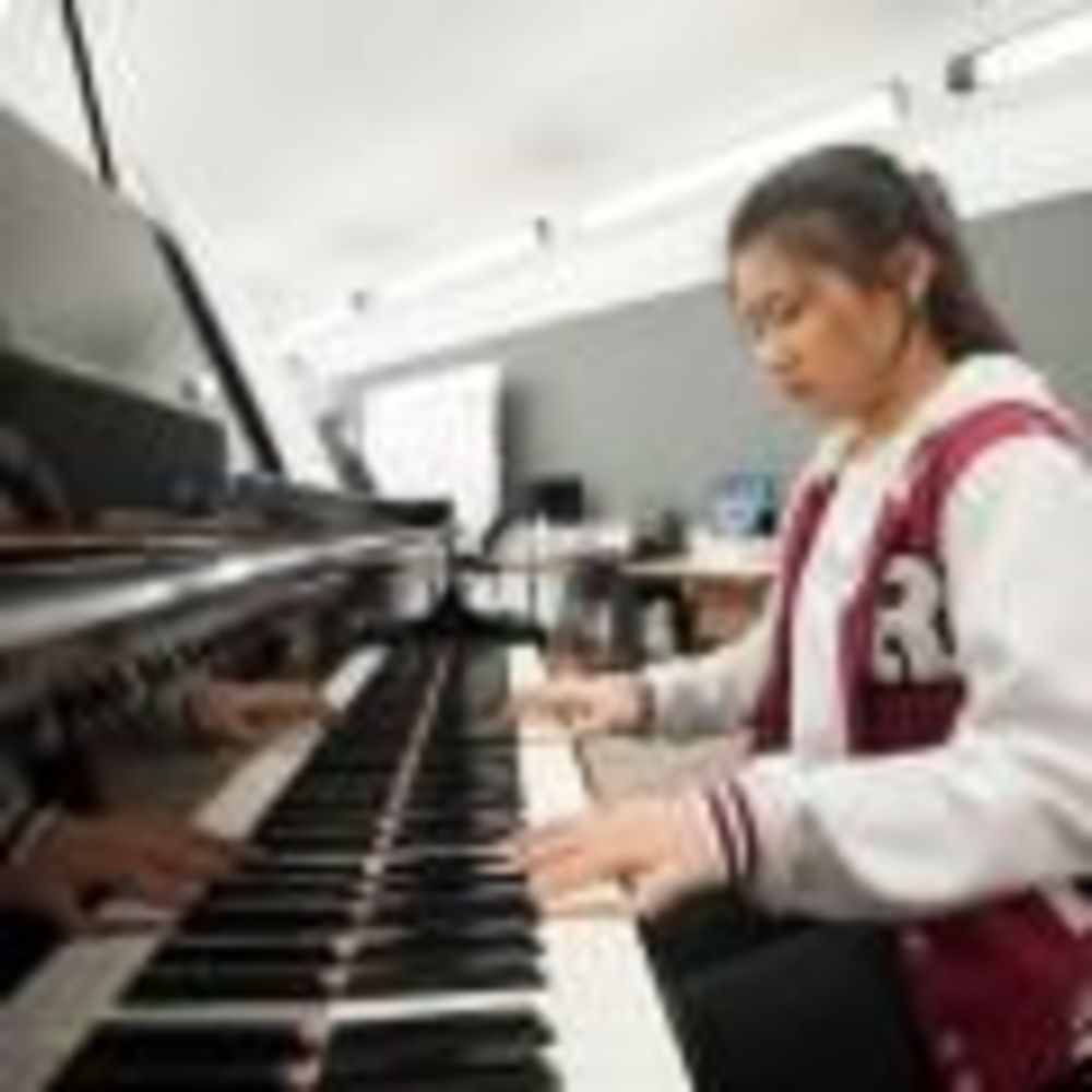 ACS Cobham пианино