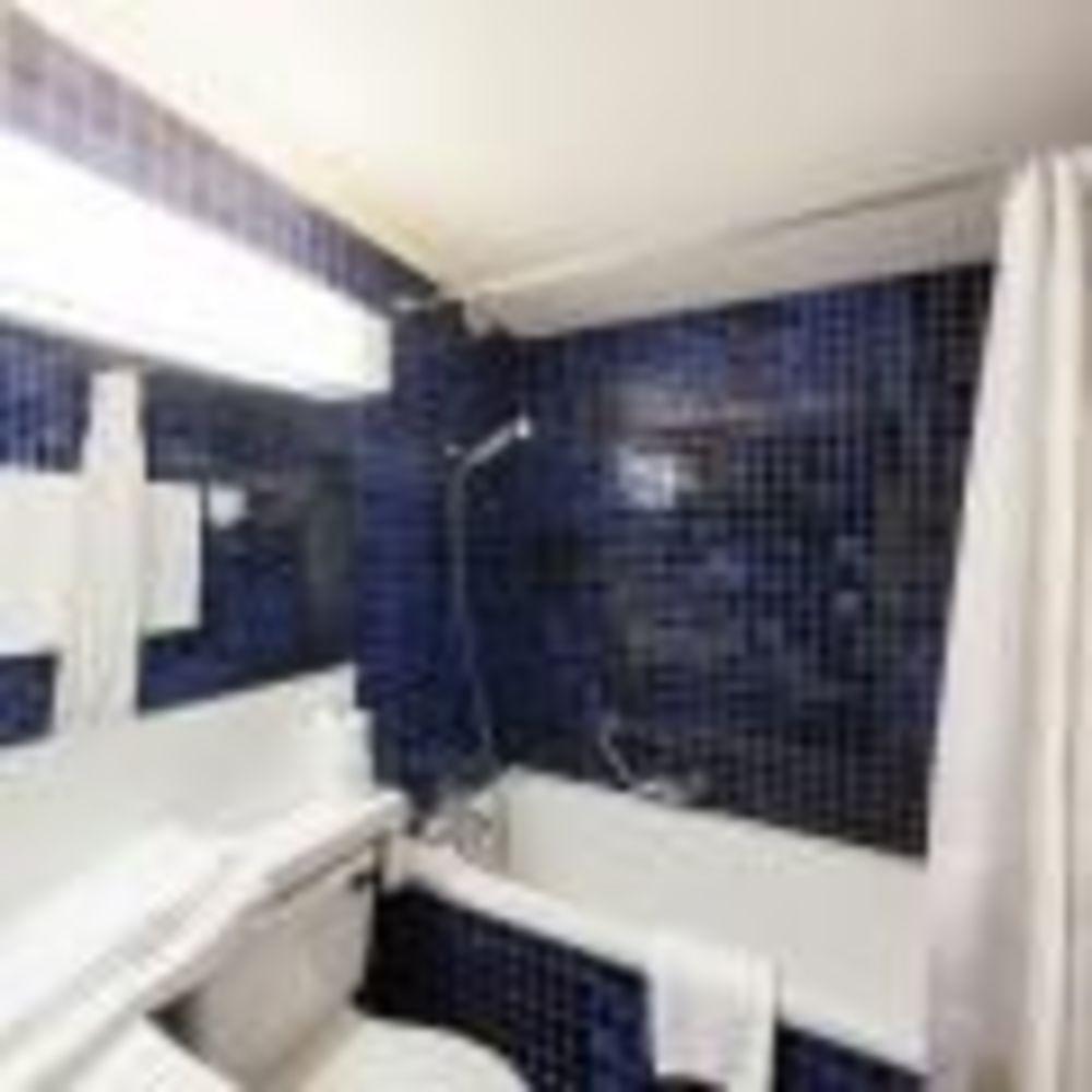 ванная комната в резиденции Leysin, Alpadia Summer Camps