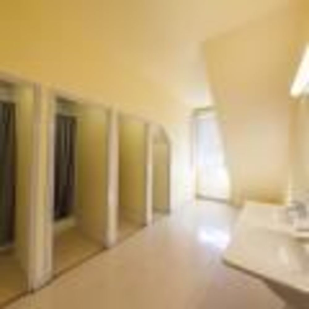 ванная комната в резиденции Paris-Igny, Alpadia Summer Camps