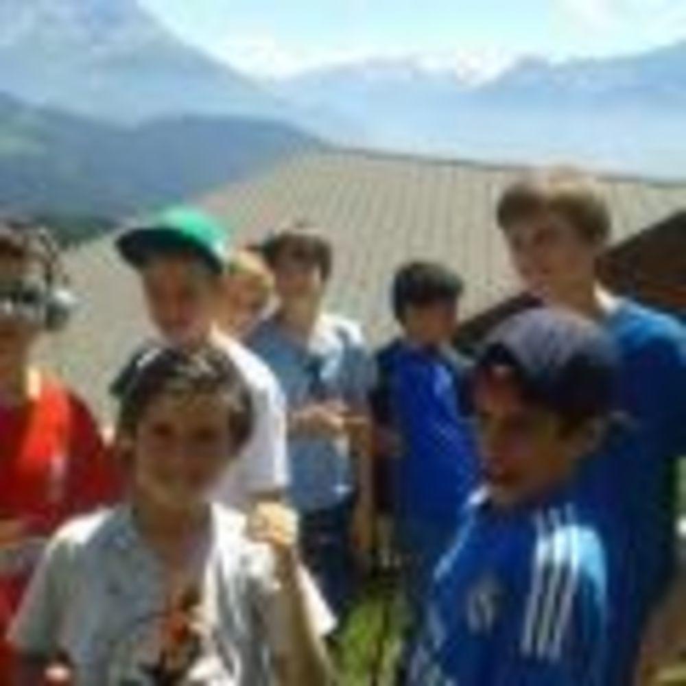 дети на экскурсии Leysin, Alpadia Summer Camps