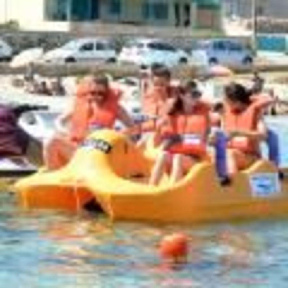 дети плавают GV Malta Summer Camp