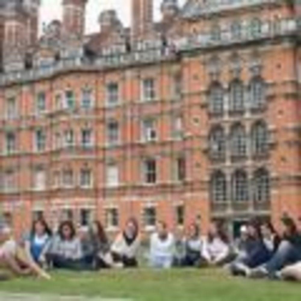 Дети Royal Holloway University
