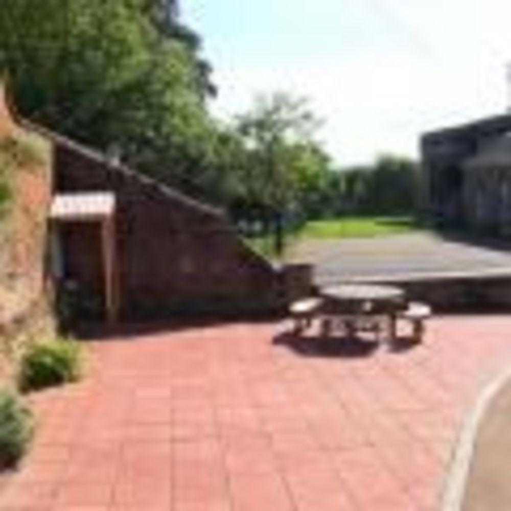Двор King's Hall School. Аспект - Образование за рубежом