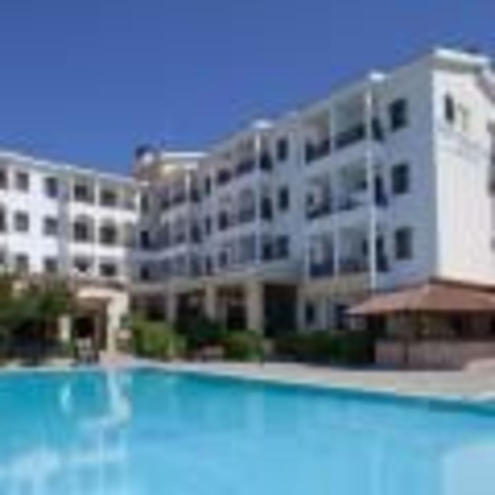 English in Cyprus гостиница с бассейном