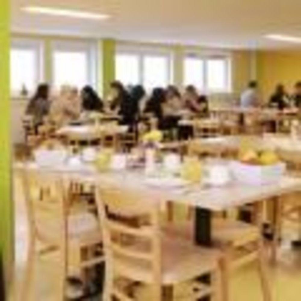 столовая в резиденции школы DID Frankfurt am Main
