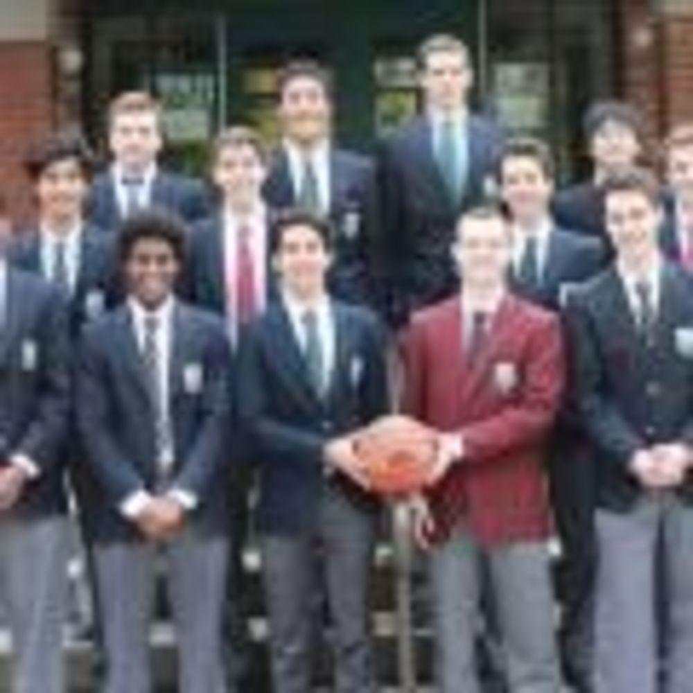 футболисты в школе Ashbury College