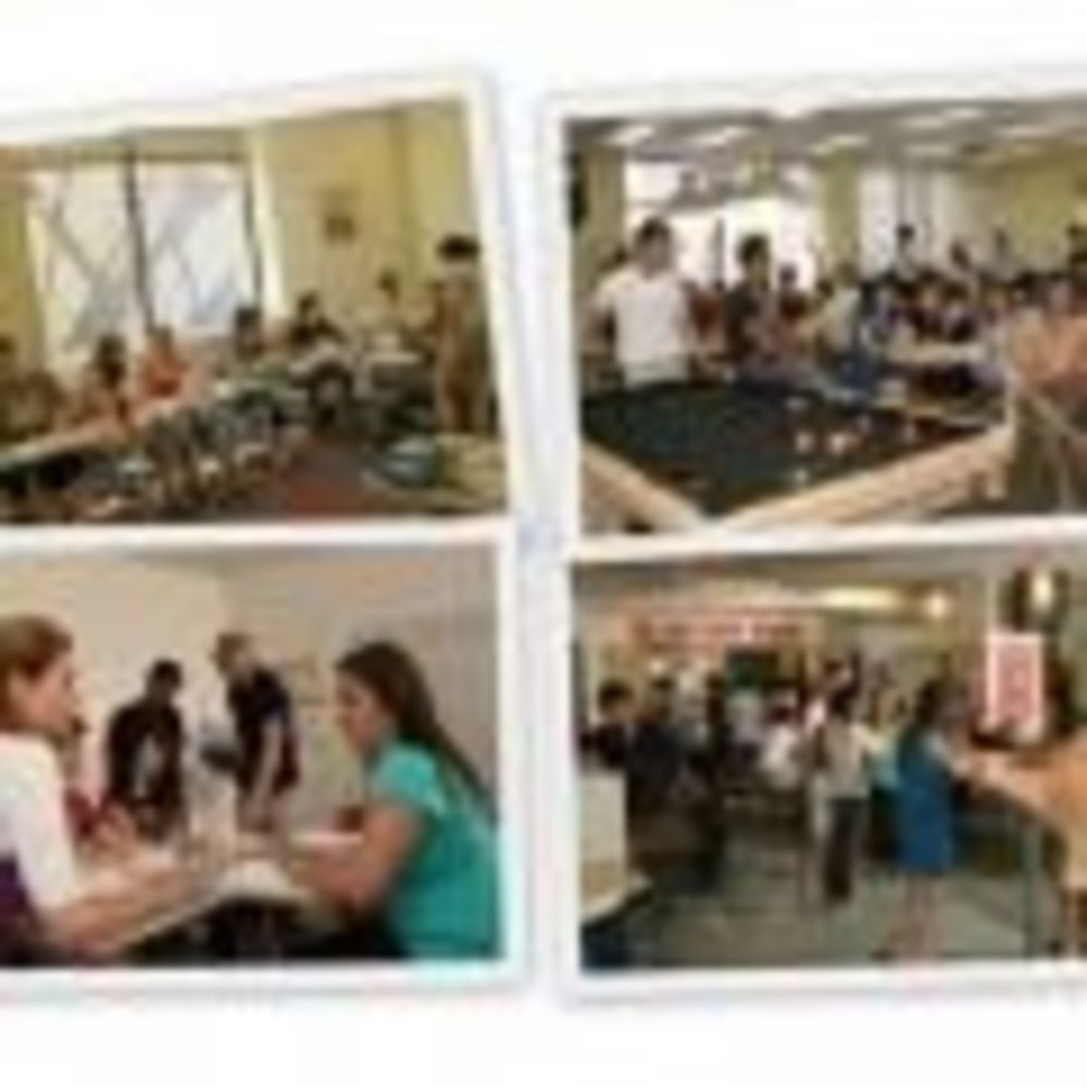 Global Village Toronto студенты в школе