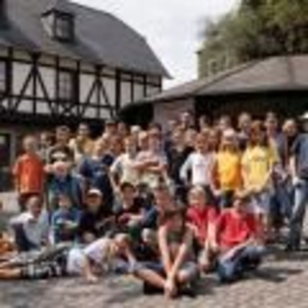International Projects замок Hohensolms дети в лагере