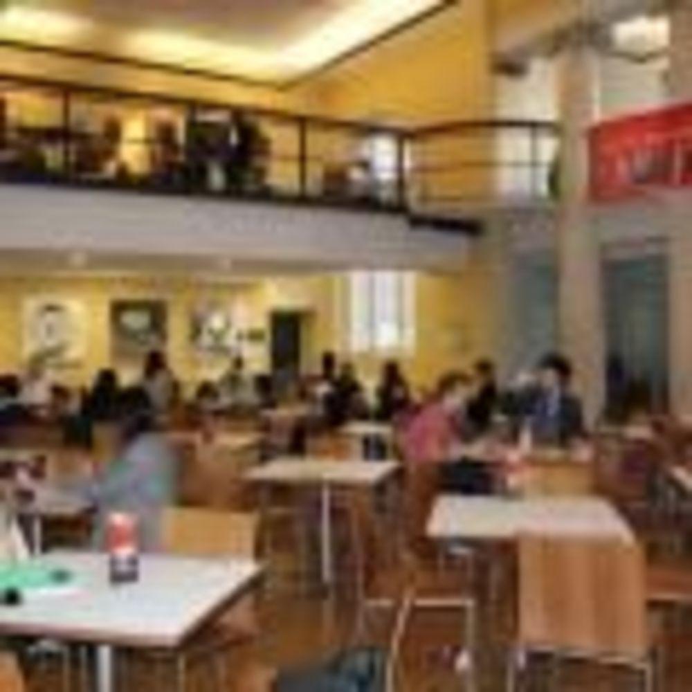 Кафетерий King's College London. Аспект - Образование за рубежом.