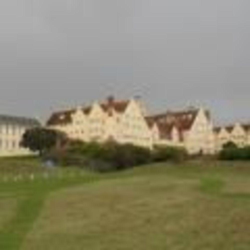 кампус Roedean School