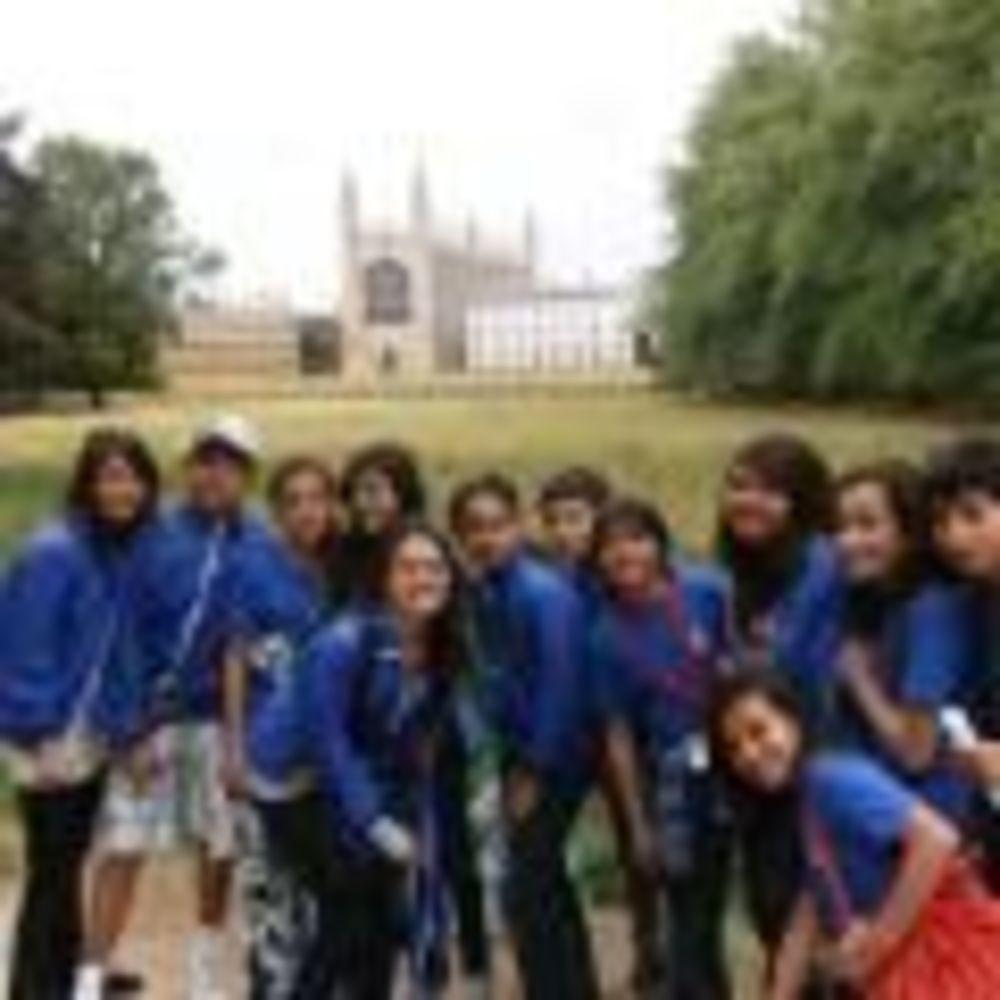 King's Ely Summer School дети на экскурсии