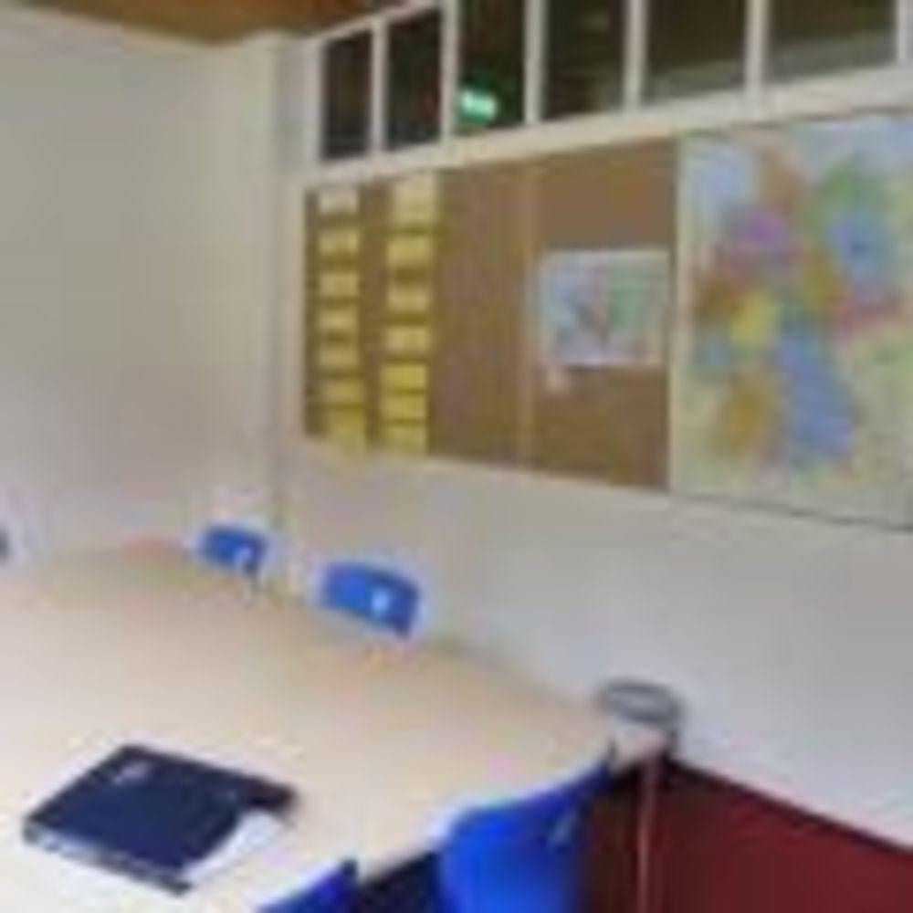 занятия в классах в лагере Lindenberg, Humboldt – Institut