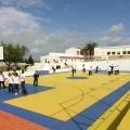 дети играют в баскетбол Nobel International School Algarve Summer School