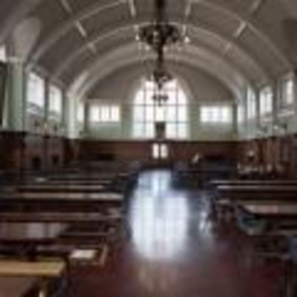 Обеденный зал The Duke of York's Royal Military School